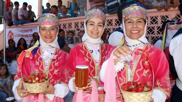 geleneksel-karakislakci-cilek-ve-bal-festivali-316