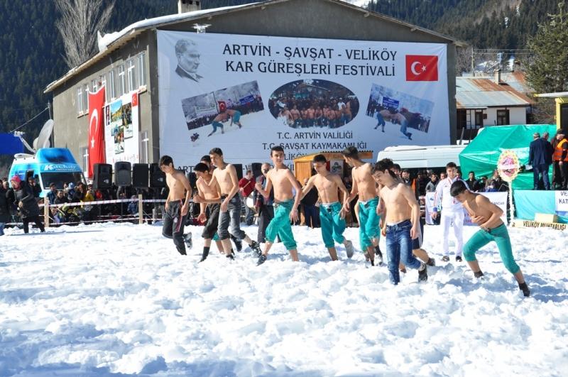 artvin-savsat-velikoy-kar-guresleri-festivali-806