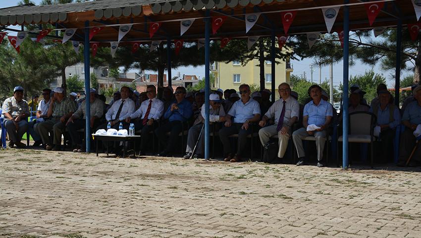 yunus-emre-ve-hocasi-tabduk-emre-sharp39-yi-anma-termal-turizm-festivali-960