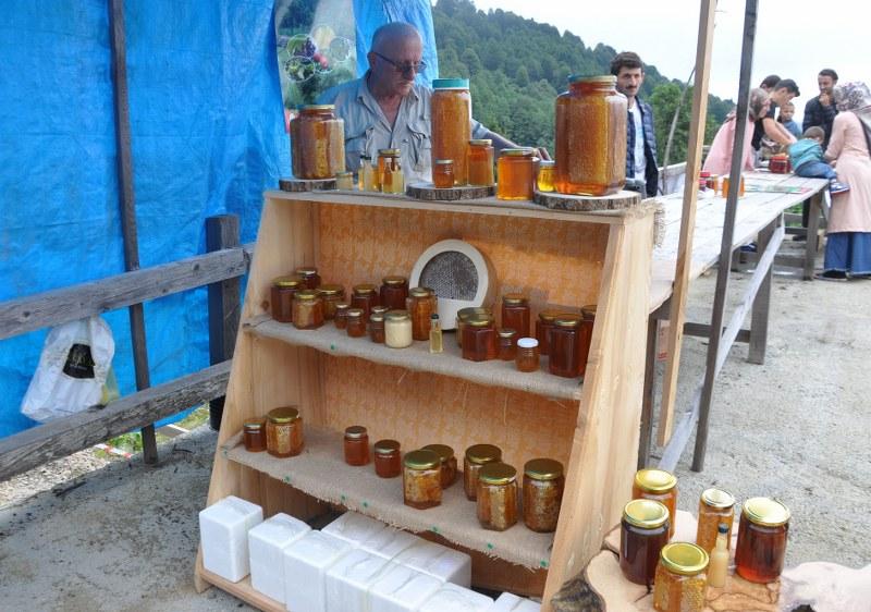 artvin-borcka-macahel-saf-kafkas-ari-ve-bal-festivali-144