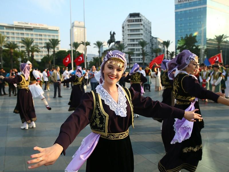 balkanlilar-halk-danslari-festivali-1599