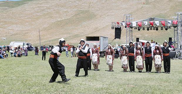 geleneksel-yeni-yogurt-bayrami-ve-kilim-festivali-1269