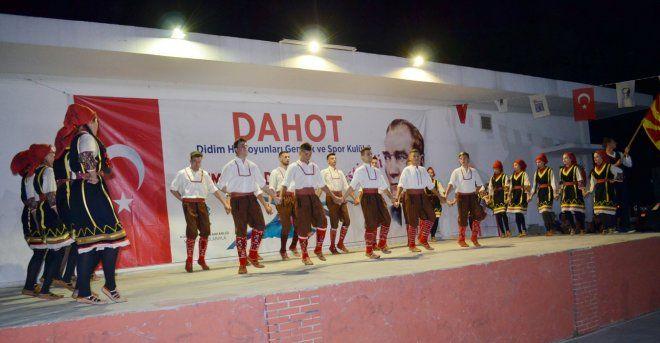 didim-uluslararasi-halk-danslari-festivali-1025