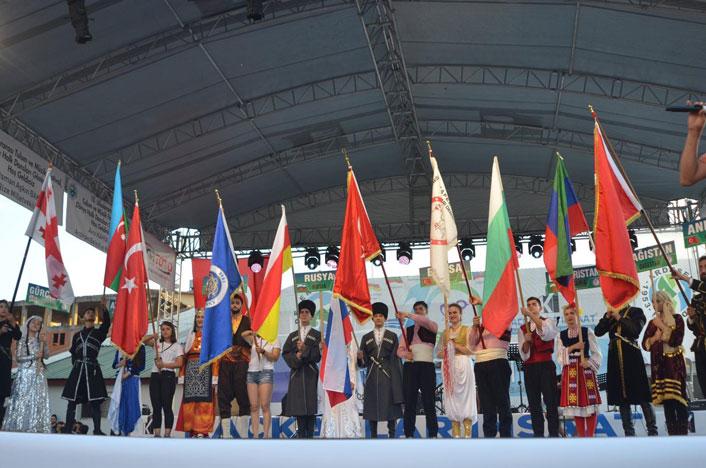 rize-uluslararasi-tulum-ve-muzik-festivali-1324