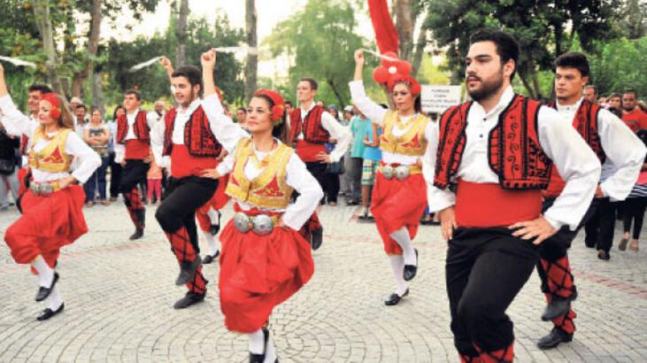 isilay-saygin-uluslararasi-balkan-festivali-1499